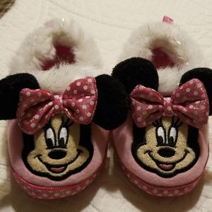 5/$25 Minnie Mouse House Shoes